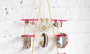 Hanging Jewelry Holder DIY