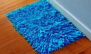 DIY Old Shirt Floor Mat