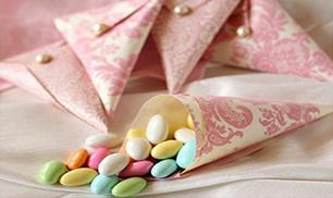 Diy Beautiful Candy Container