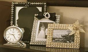 DIY Glamorous Picture Frame