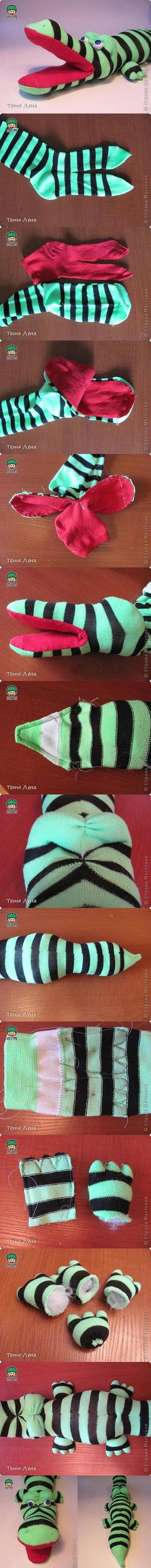 11 DIY Sock Crocodile Stuffed Animal d275c402e538